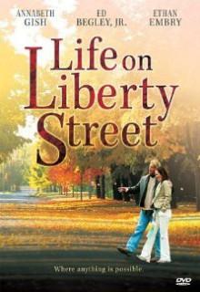 Смотреть фильм Жизнь на улице Либерти